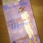 War die Buchhändlerempfehlung – Eva Ibbotsons <em>Die Morgengabe</em> – eine gute?